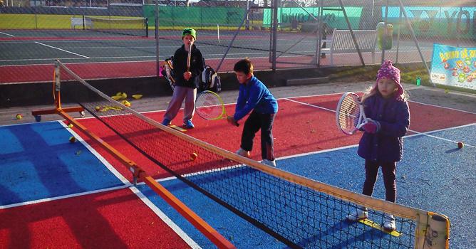 At what age do children start tennis?